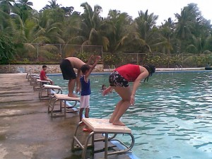 Mark vs Lisa Swimming Competition