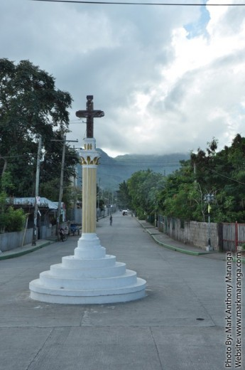 Cross near Rizal Park