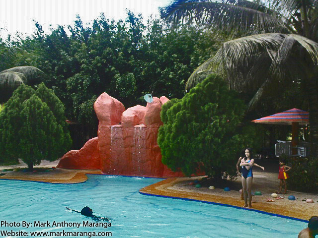 Tubod A Swimming Pool Of Flowing Waters In Minglanilla Cebu Philippines Tour Guide