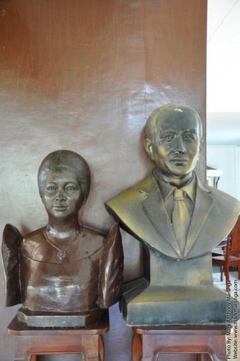 Portrait Statue of Diosdado Macapagal and his wife