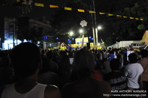 Barangay Election Campaign - Folks attending