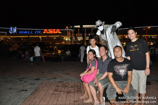 Mime Statue of Mall of Asia