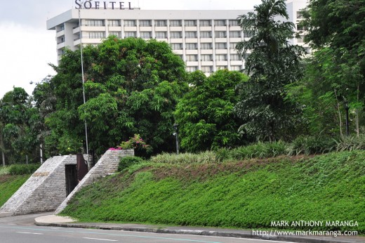 Proximity of Coconut Palace and Sofitel Hotel