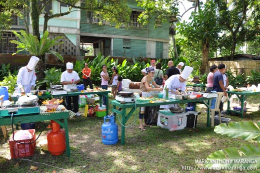 Cooking competition in Cinco de Noviembre Street