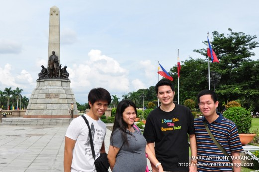 RC, Lisa, Jim2x, Bouying at Rizal Monument