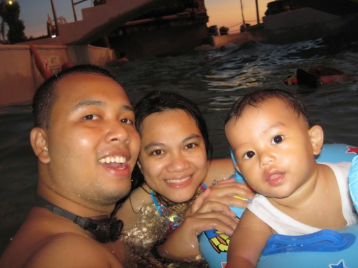 Family Swimming at Emars Wavepool
