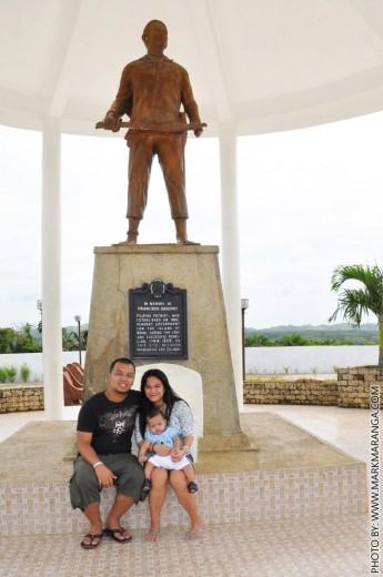 Mark, Lisa and Sam at Dagohoy Historical Park