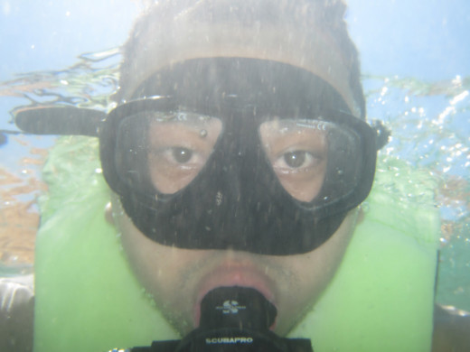Mark underwater (Intro to Scuba Diving)