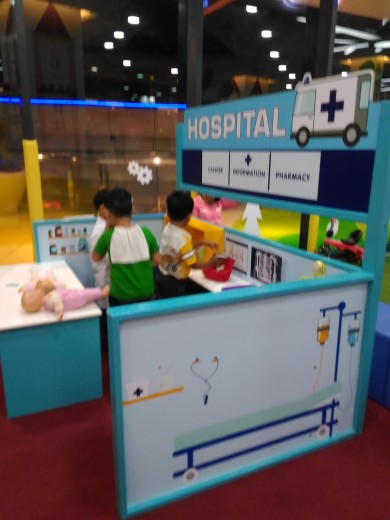 At the Kidzoona Hospital