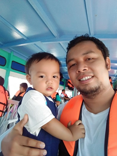 Mark and Baby Jim during the Island Hopping Tour